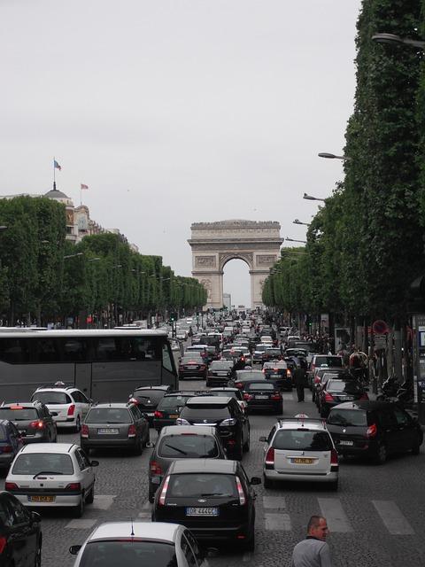 druk verkeer in Parijs